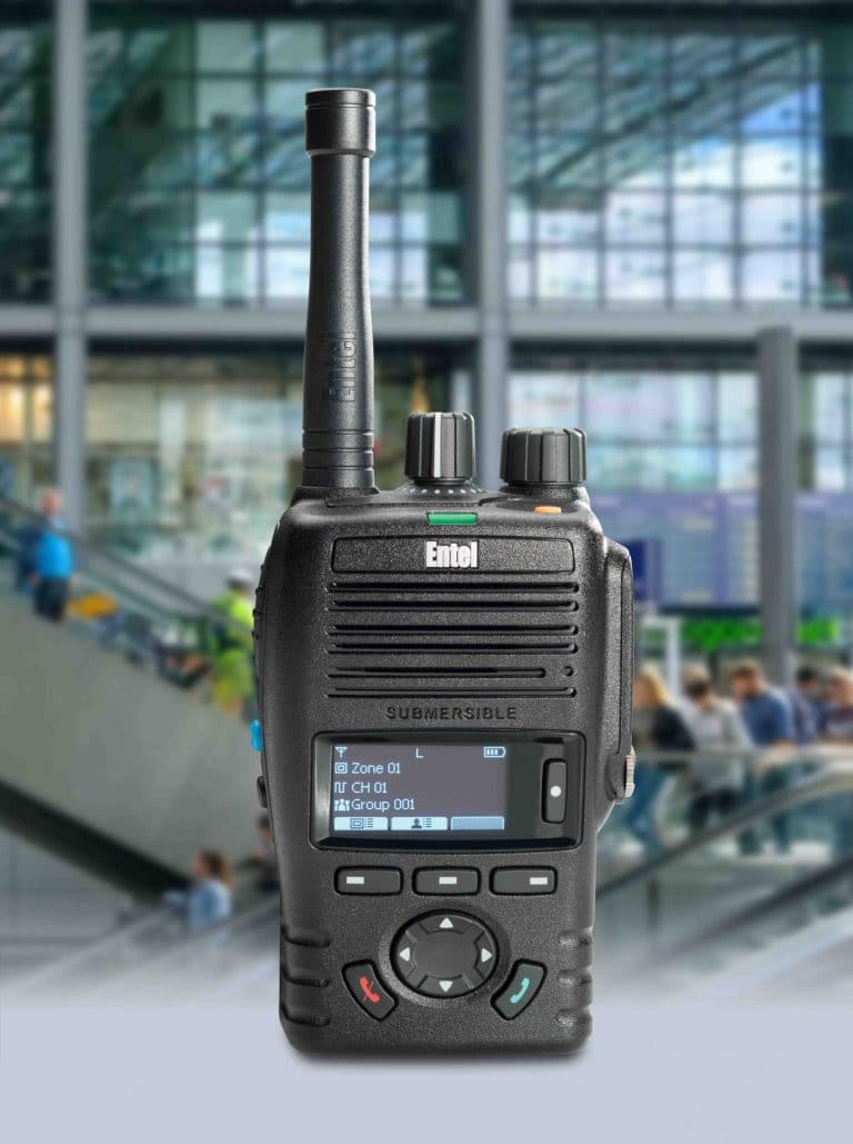 photo of an entel dx handheld radio